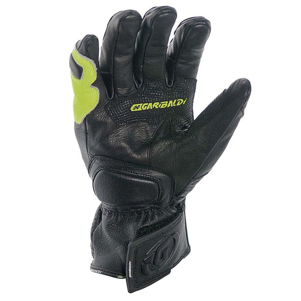 scream-gloves
